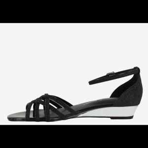 Easy Street Tarrah Open Toe Casual Strappy Sandals